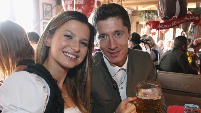 Vợ Lewandowski tiết lộ tương lai của chồng