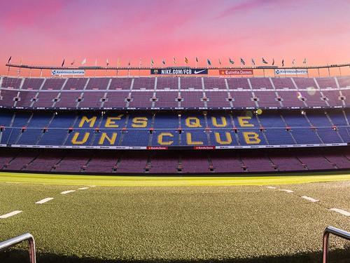 Barca rao bán tên SVĐ Camp Nou
