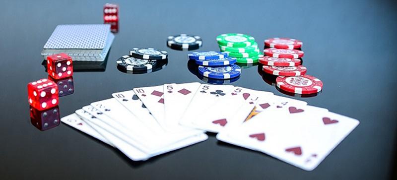 Giải mã giấc mơ đánh bài -  Bí ẩn nằm mơ thấy đánh bài