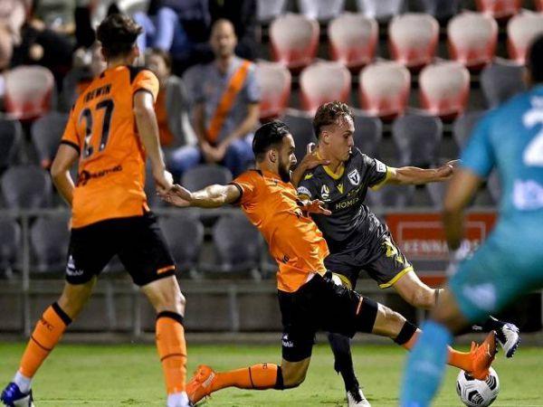 Soi kèo Macarthur vs Brisbane Roar, 16h05 ngày 9/4 - VĐQG Úc